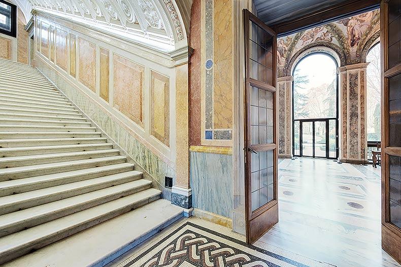 altrospazio fotografia, la Villa Farnesina di Roma, sede dell'Accademia dei Lincei, progettata da Baldassarre Peruzzi e decorata da Raffaello, Giovanni da Udine e il Sodoma