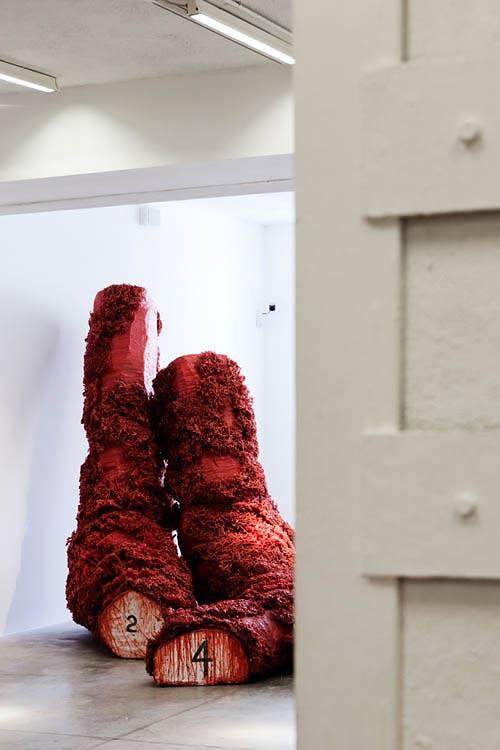 altrospazio fotografia, Paolo Grassino installa la sua