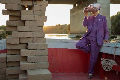 altrospazio fotografia, performance di Luigi Ontani per There Is No Place Like Home #4